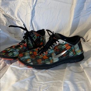 NIKE FREE TR FIT 4 SHOES